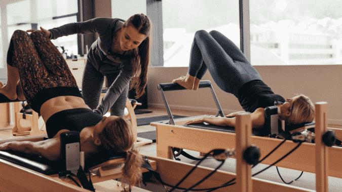 aula com beneficios do pilates