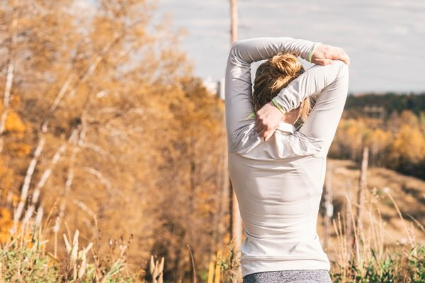 alongamento-dor-nas-costas-fabio-medina-3368761